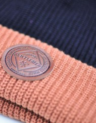 Beanie---black-tan-detail