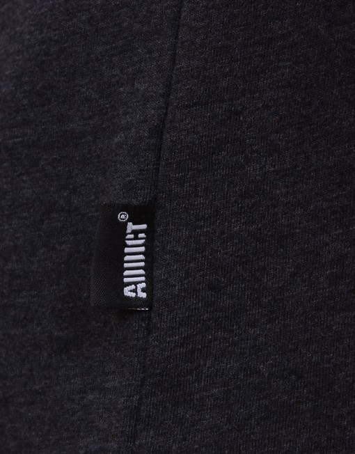 blackt-shirt-detail